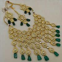 Bridal Kundan Necklace Set with Maangtikka and Emerald Drops