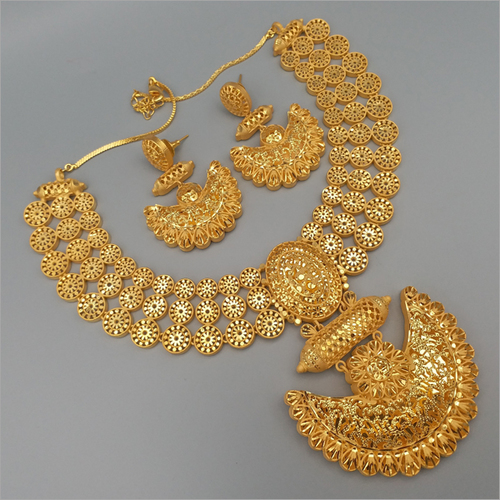 Gold Forming Bridal Necklace with earring
