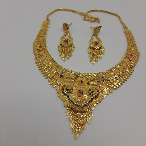 Gold Forming Necklace set