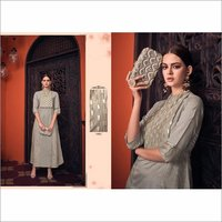 Viscose Party Wear Fashionable Gown
