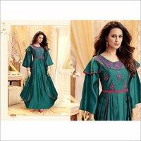 Tapeta Satin Designer Party Wear Gown