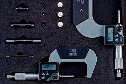 BAKER GAUGES 4DMM100 Set of Digital External Micrometer