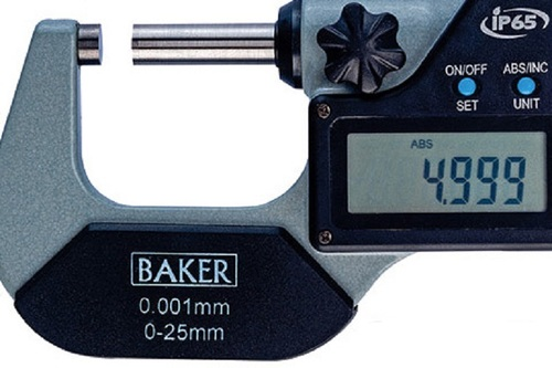 BAKER GAUGES DMM25 Digital External Micrometer: Range 0-200 mm / 0-8″