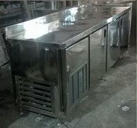 AV FUCSB-1800 (Under Counter Freezer)