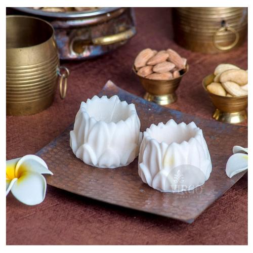 Hurricane Lotus Candle: White, Vanilla