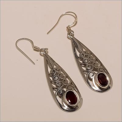 E0142-925 Solid Sterling Silver Garnet Gemstone Long Designer Light Earring
