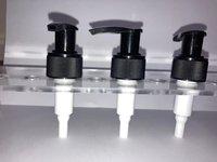 28 mm black lotion pump on/off