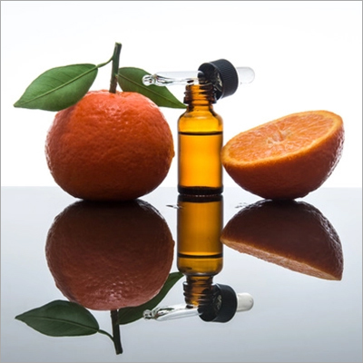 Vitamin C Face Serum with Hyaluronic Acid for Brightening and AntiAging