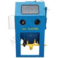 Cabinet Type Wet Blasting Machine