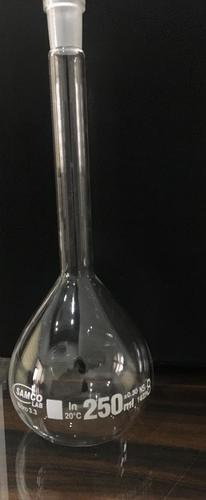 VOLUMETRIC FLASKS,  WITH INTERCHANGEABLE SOLID GLASS STOPPER
