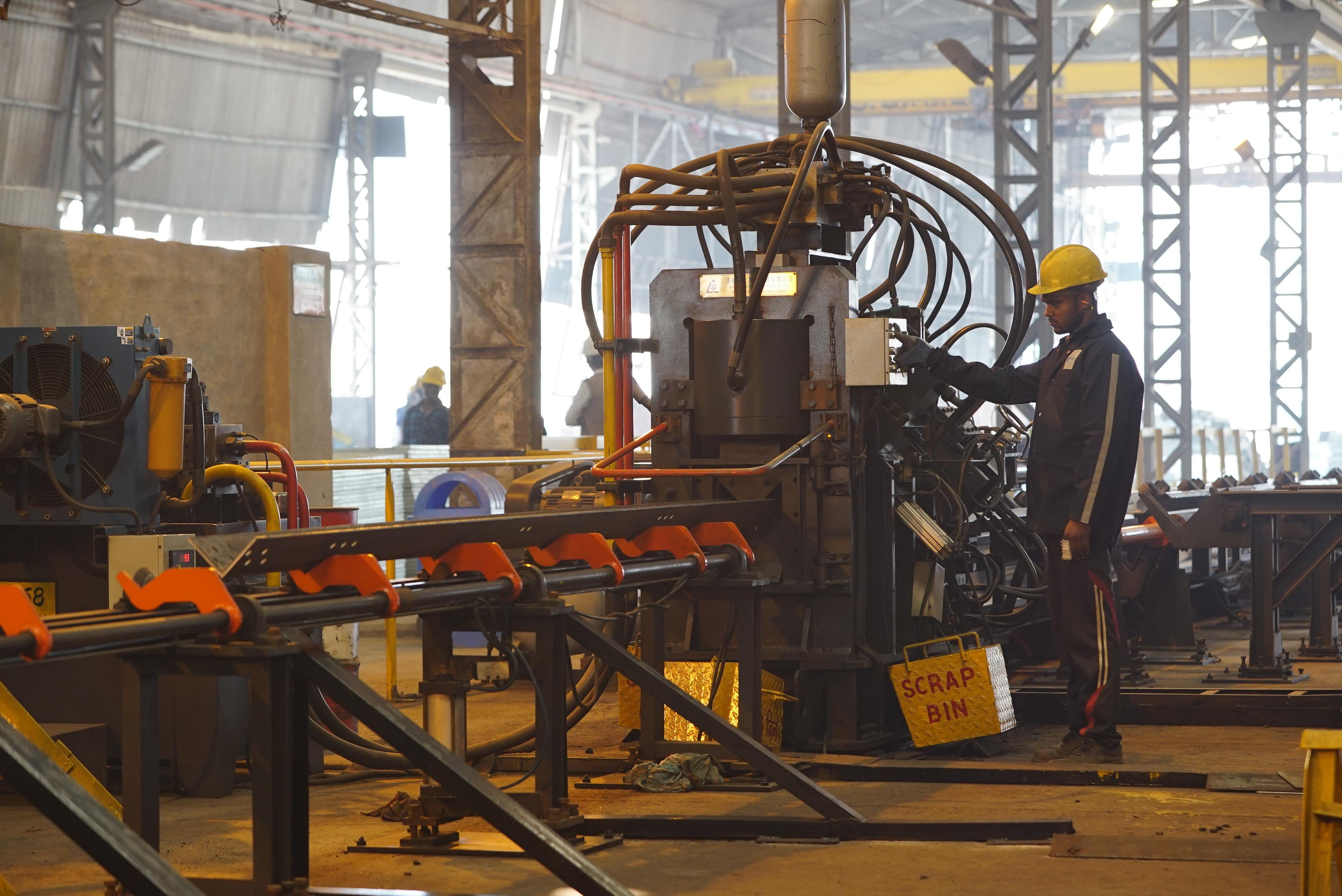 Building Steel Structures