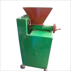 Automatic Cow Dung Log Making Machine