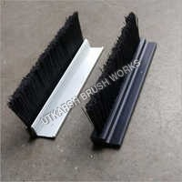 F Section Strip Brush With Aluminum And Plastic Holder