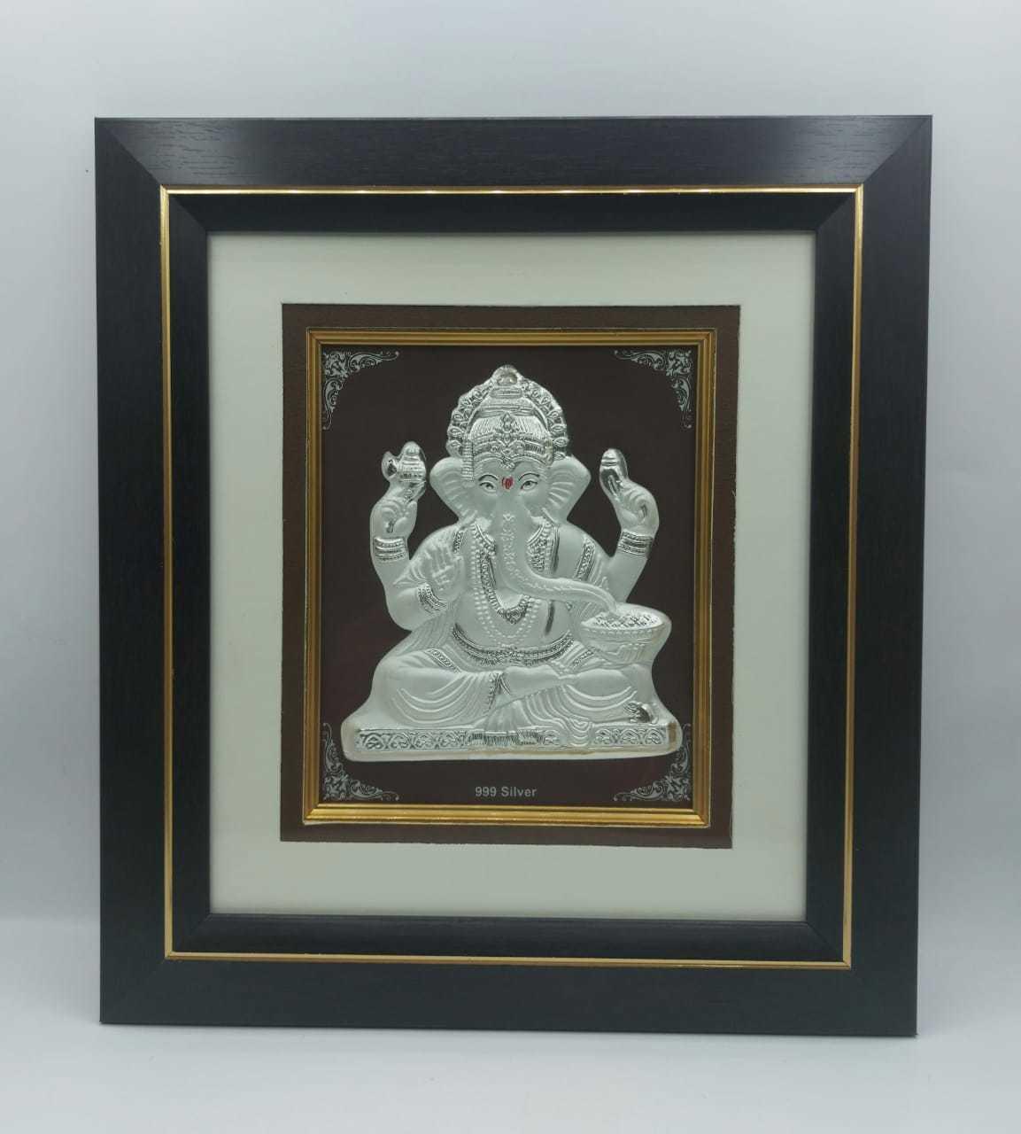 silver ganesha frame