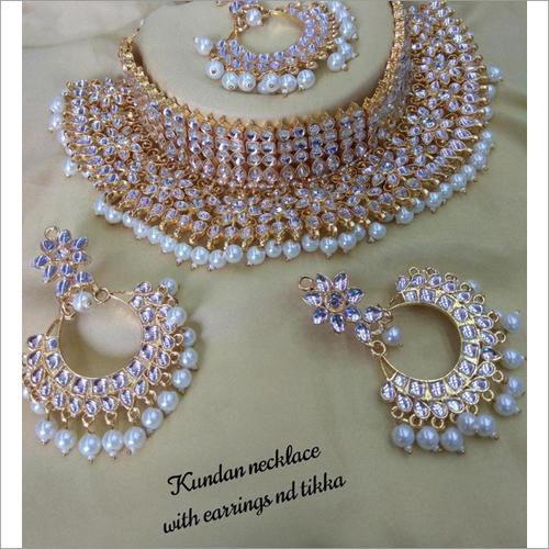 Kundan & Pearls Wedding Necklace Set With Maang Tikka