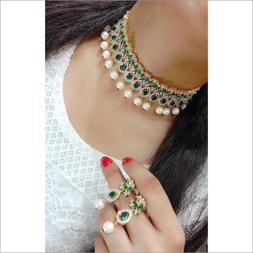 White & Green Rhinestone & Pearl Imitation Necklace Set