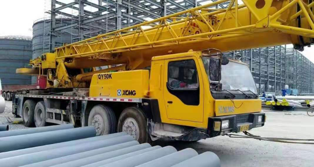 used cranes 50ton XCMG50T mobile crane truck crane for sell have good condition good performance