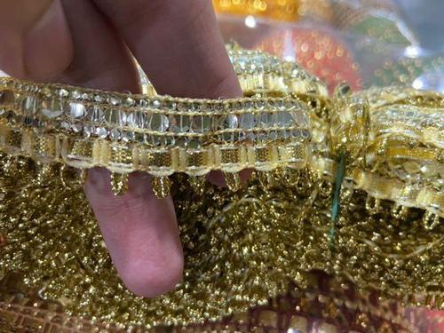 Poshak lace