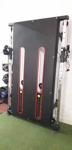 WALL MOUNTED FUNCTIONAL TRAINER