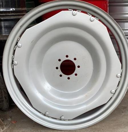 12.4-28 / 13.6-28 / 8.3-32 / 9.6-36 Tractor Rear Wheel Rim