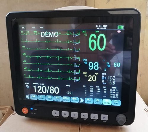 Multipara Patient Monitor with Touchscreen