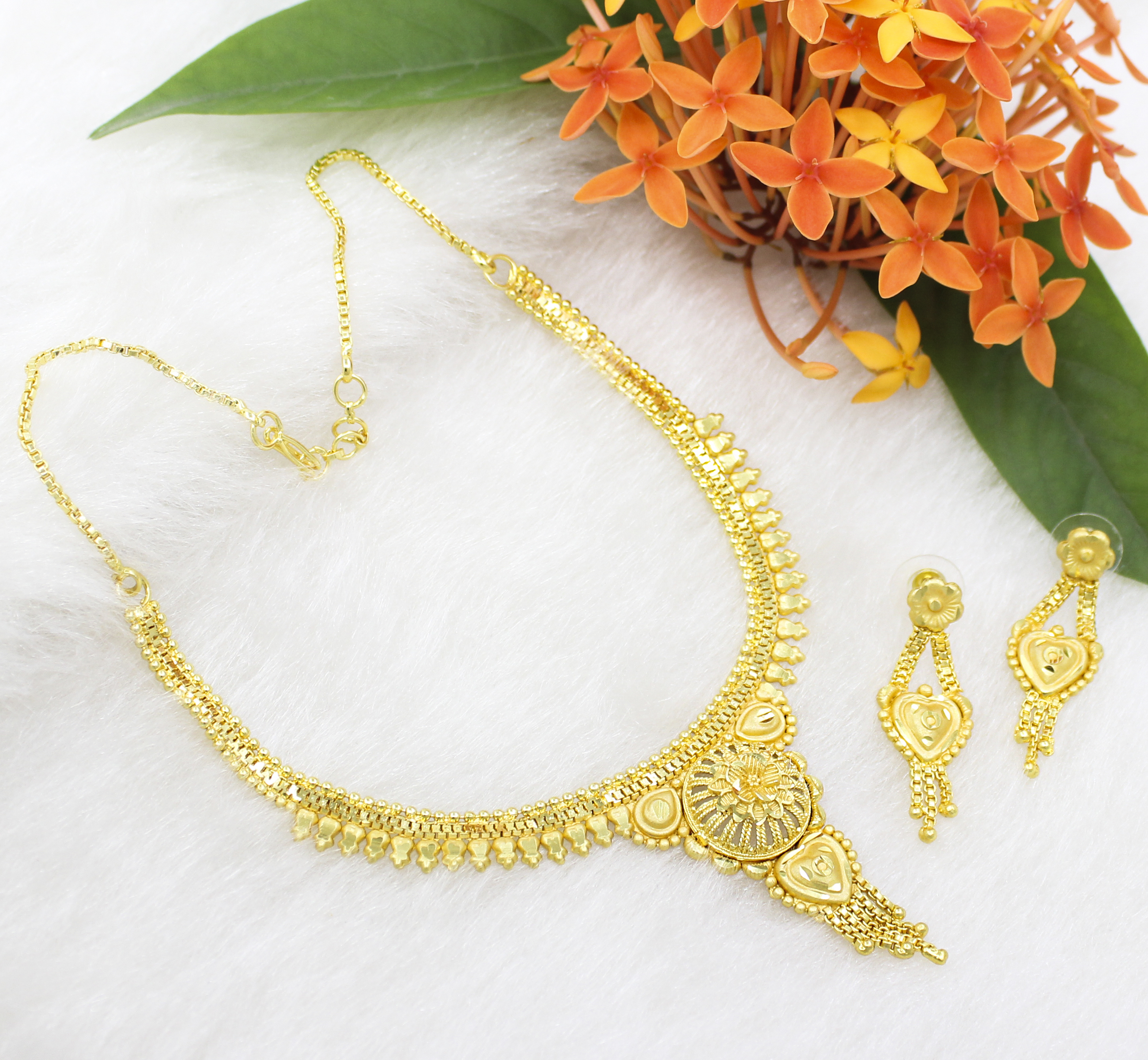 Traditional One Gram Gold Plated Forming Golden Choker Necklace/Jewelry Set