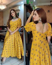 GOOD QUALITY PRINTED BUTTER SILK  GOWN
