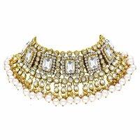 Bridal Gorgeous look White Color Kundan Choker Necklace Earring With Maangtikka Jewellery Set