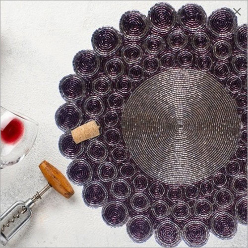 BEADED  ROUND PITCH COLOUR  PLACEMAT
