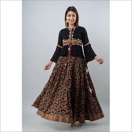 Ladies Top Rayon Crape Skirt With Cotton Cambric