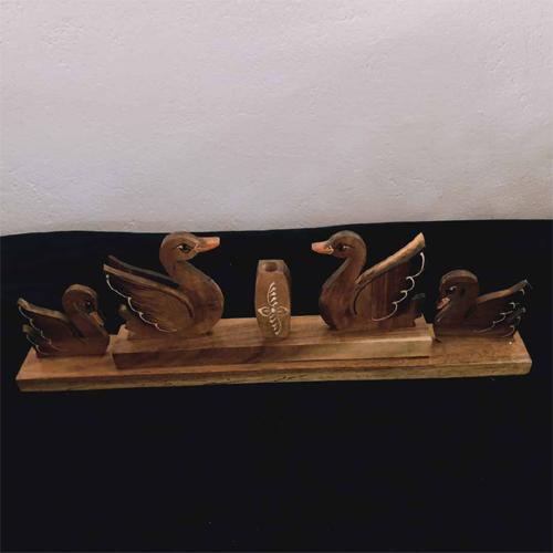 Wooden Duck Pen Stand