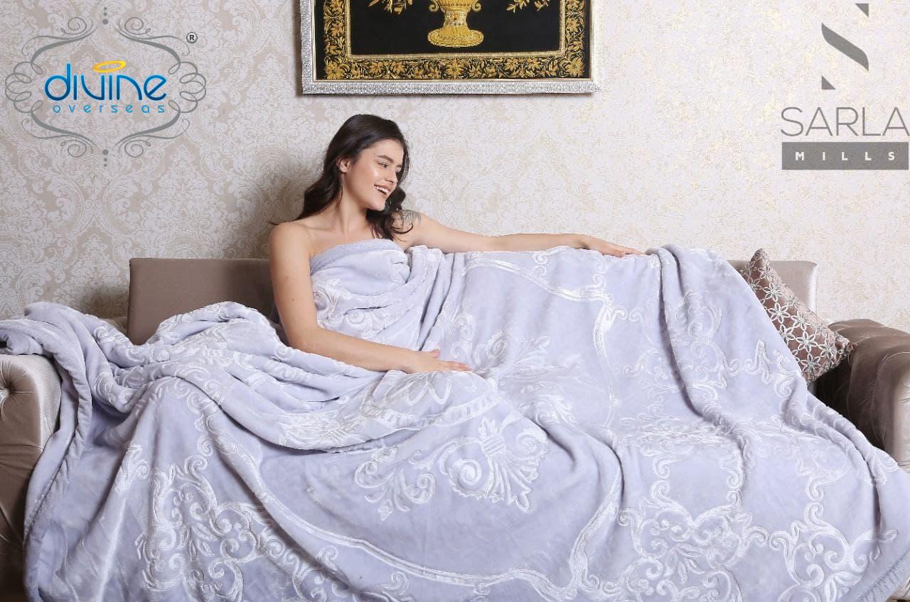 Jalsa Solid Cloudy Blanket ( Luxurious Soft Mink Blanket)