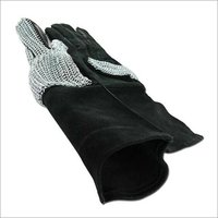 Hauberk Black Gloves
