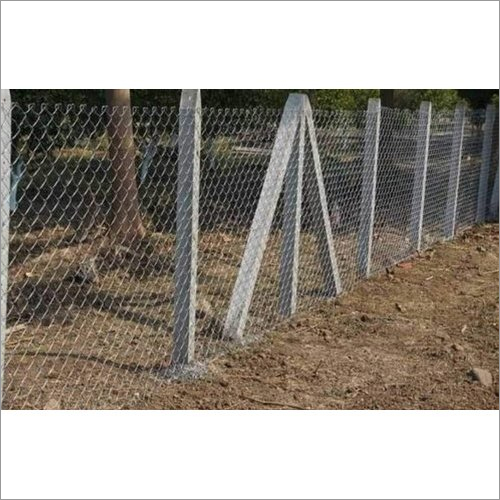Cement Pol Chain Link Fencing
