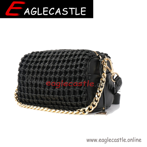 The new summer 2021 simple fashion woven cross-shoulder handbags for women
