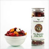 Healthy Trial Mix Berries With Nuts