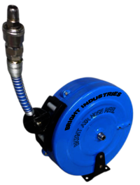 Retractable hose reel