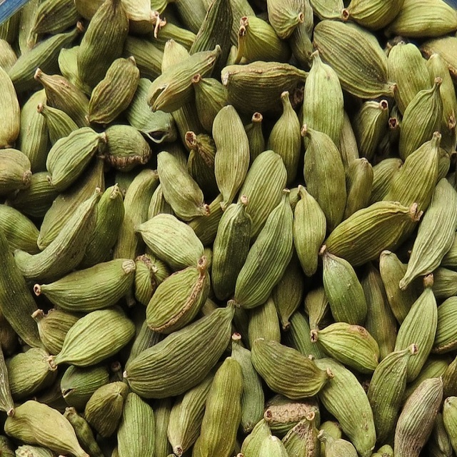 Top Quality Green Cardamom Health Beneficial Controls Diabetes
