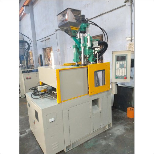 Vertical Toggle Clamping Plastic Injection Moulding Machine Machine