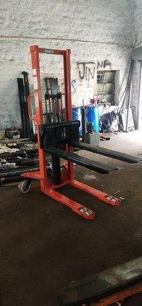 Karur Hydraulic 1.5 Ton Pallet Truck