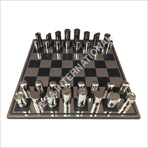 Metal Players And High Quality Chess Board