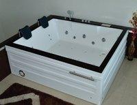 APPOLLO White PRISA 6x4 feet Jacuzzi Bath Tub