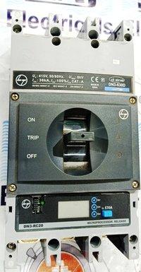 L&T (d sine - DN3-630D) 630 AMP MCCB