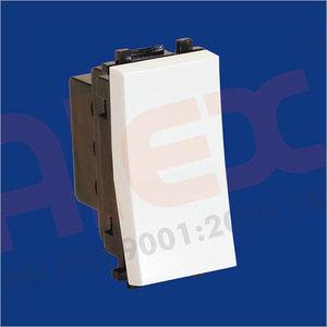 1 module 6 AMP Switch