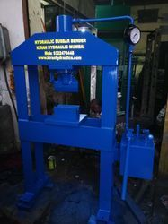 Vertical hydraulic bus bar banding machine